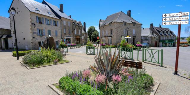 Le bourg de Marcillac-la-Croisille
