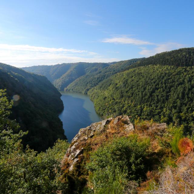 Point de vue de Chapeloune - vue sur les gorges de la Dordogne - St Merd De Lapleau