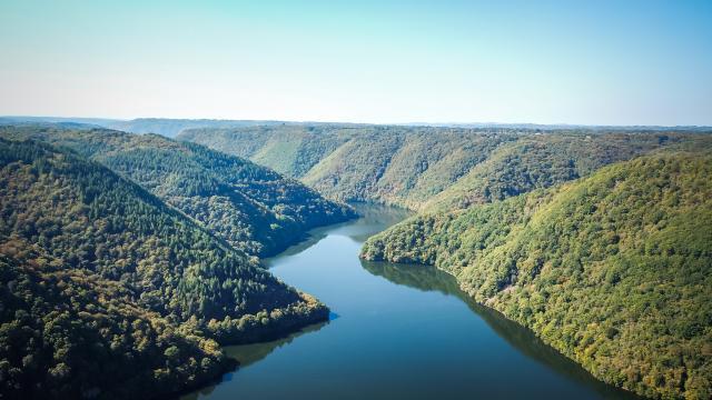 Gorges de la Dordogne vue depuis le ciel - Marcillac La Croisille