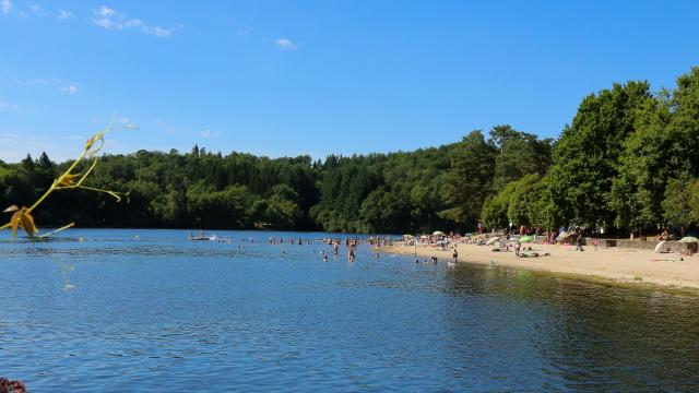Lieu de baignade - lac de La Valette - Marcillac-La-Croisille