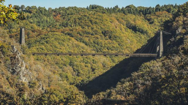 Le Viaduc des Rochers Noirs - proximité de Lapleau